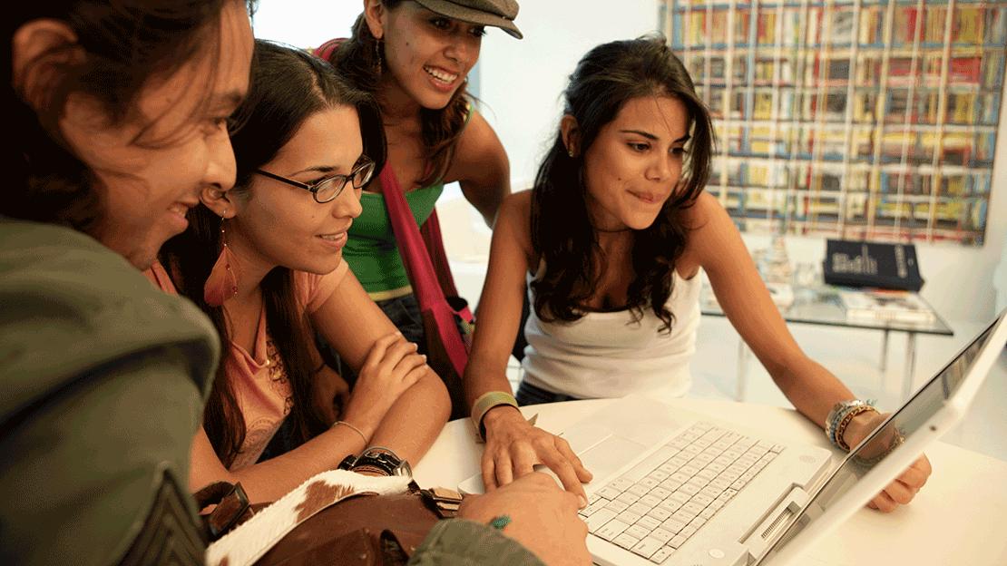 Hispanic_Marketing_Trends.png